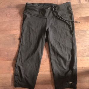 Hardly worn Capri leggings